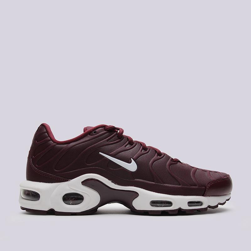 Кроссовки Nike Air Max Plus VTКроссовки lifestyle<br>синтетика, текстиль, резина<br><br>Цвет: Темно-бордовый<br>Размеры US: 11.5<br>Пол: Мужской