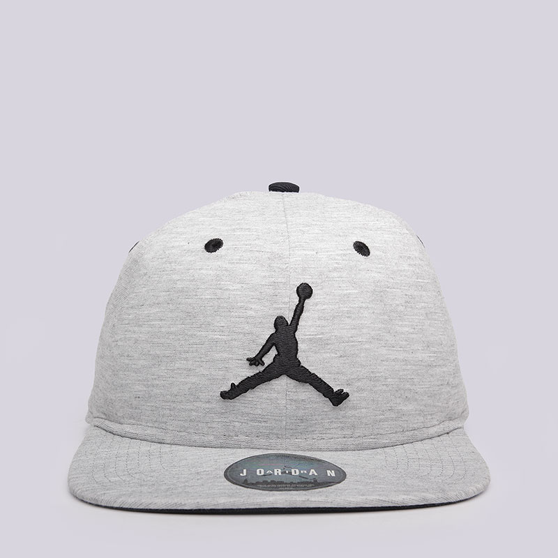 Кепка Jordan 23 Lux SnapbackКепки<br>Полиэстер, вискоза, эластан<br><br>Цвет: Светло-серый<br>Размеры US: OS