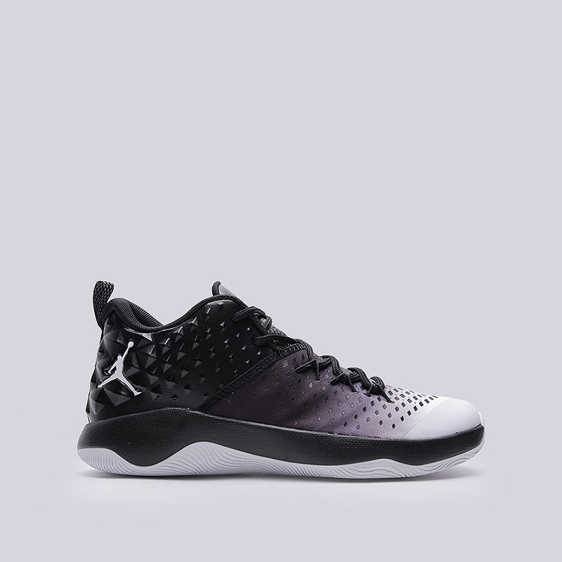 Кроссовки Jordan Extra FlyКроссовки баскетбольные<br>Текстиль, синтетика, резина<br><br>Цвет: Чёрный<br>Размеры US: 8.5;9;9.5;10;11;11.5;12.5;13;15<br>Пол: Мужской