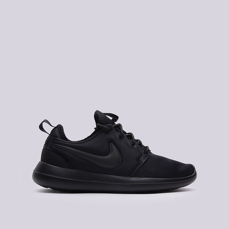 Кроссовки Nike Sportswear WMNS Roshe TwoКроссовки lifestyle<br>Текстиль, пластик<br><br>Цвет: Чёрный<br>Размеры US: 6;6.5;7;7.5;8;8.5;9<br>Пол: Женский