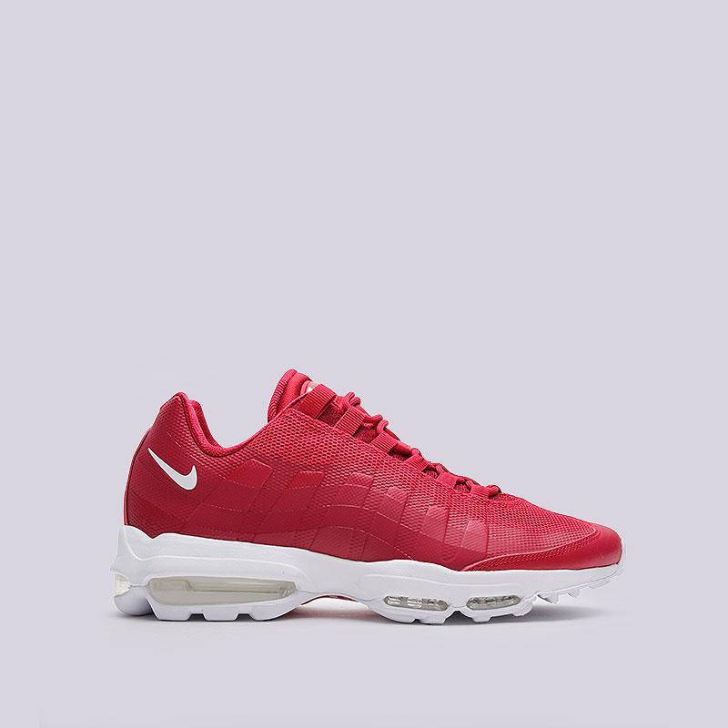 Кроссовки  Nike Sportswear Air Max 95 Ultra EssentialКроссовки lifestyle<br>Пластик, текстиль, резина<br><br>Цвет: Красный, белый<br>Размеры US: 8;9;9.5;10;10.5;11;11.5;12;13;14<br>Пол: Мужской