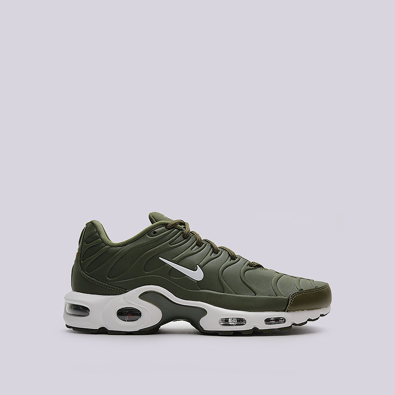 Кроссовки  Nike Sportswear Air Max Plus VTКроссовки lifestyle<br>Синтетика, кожа, резина<br><br>Цвет: Зелёный<br>Размеры US: 11<br>Пол: Мужской