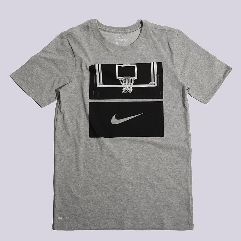 Футболка Nike M NK Dry Tee DF Core Art 1Футболки<br>100% хлопок<br><br>Цвет: Серый<br>Размеры US: S;M;L;XL<br>Пол: Мужской
