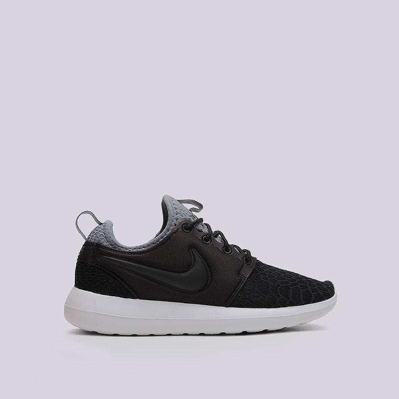 Кроссовки  Nike WMNS Roshe Two SEКроссовки lifestyle<br>Текстиль, пластик<br><br>Цвет: Чёрный<br>Размеры US: 6.5<br>Пол: Женский