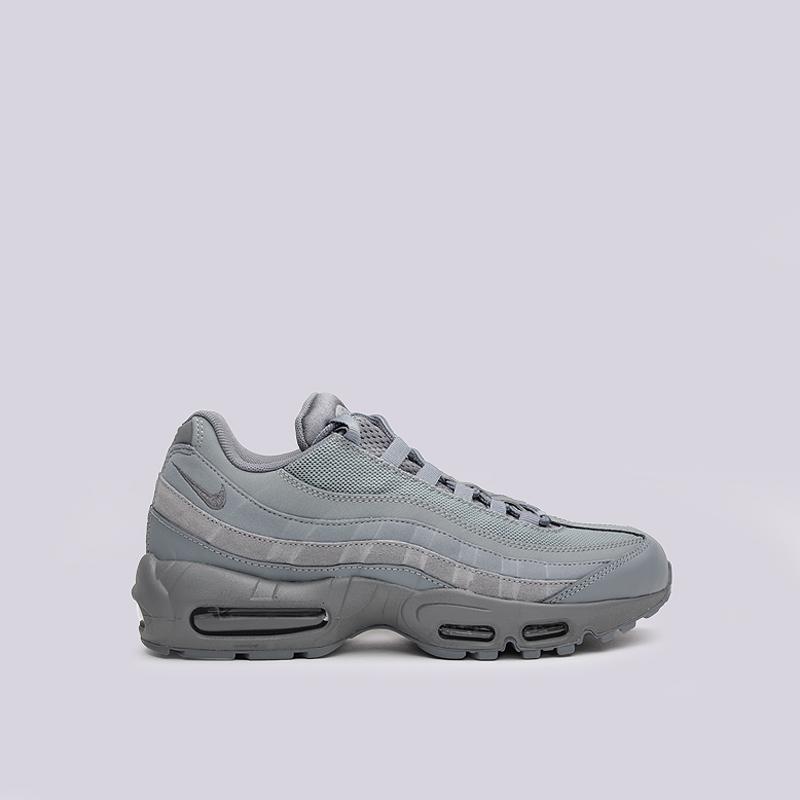 Кроссовки Nike Sportswear Air Max 95 EssentialКроссовки lifestyle<br>кожа, текстиль, резина<br><br>Цвет: Серый<br>Размеры US: 8;8.5;9;9.5;10;10.5;11;11.5;12<br>Пол: Мужской