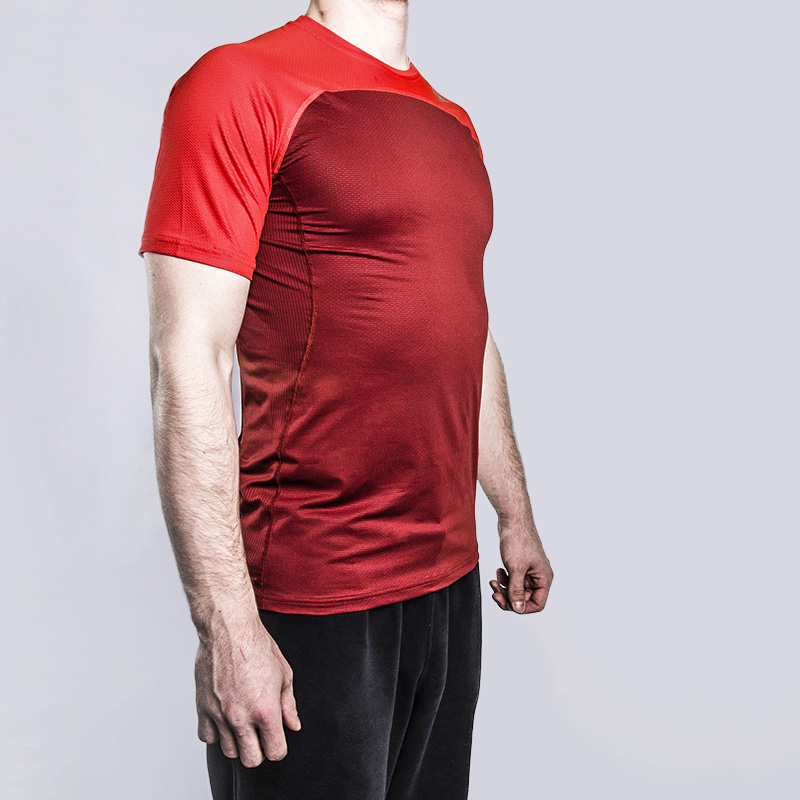 Футболка Nike Hypercool Training ShirtФутболки<br>Полиэстер, эластан<br><br>Цвет: Красный<br>Размеры US: S;M;L;XL;2XL<br>Пол: Мужской