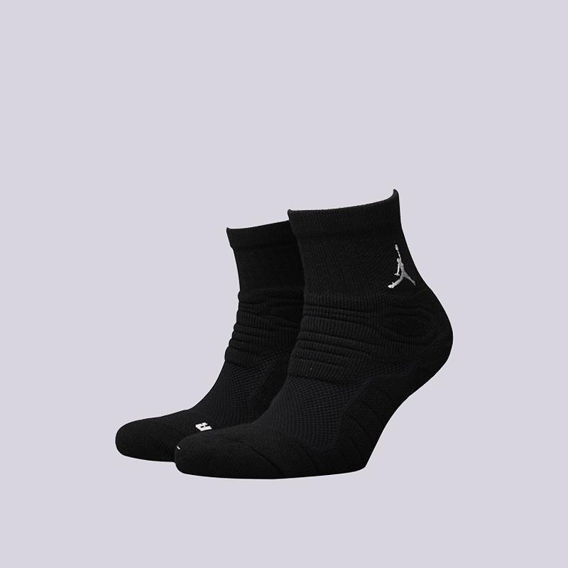 Носки Jordan Ultimate Flight QTR SockНоски<br>49% полиэстер, 31% нейлон, 15% хлопок, 5% эластан<br><br>Цвет: Черный<br>Размеры US: M;L;XL<br>Пол: Мужской