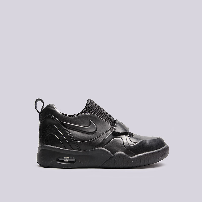 Кроссовки Nike Sportswear WMNS Air Tech Challenge XVIIКроссовки lifestyle<br>Кожа, текстиль, резина<br><br>Цвет: Чёрный<br>Размеры US: 5;6<br>Пол: Женский