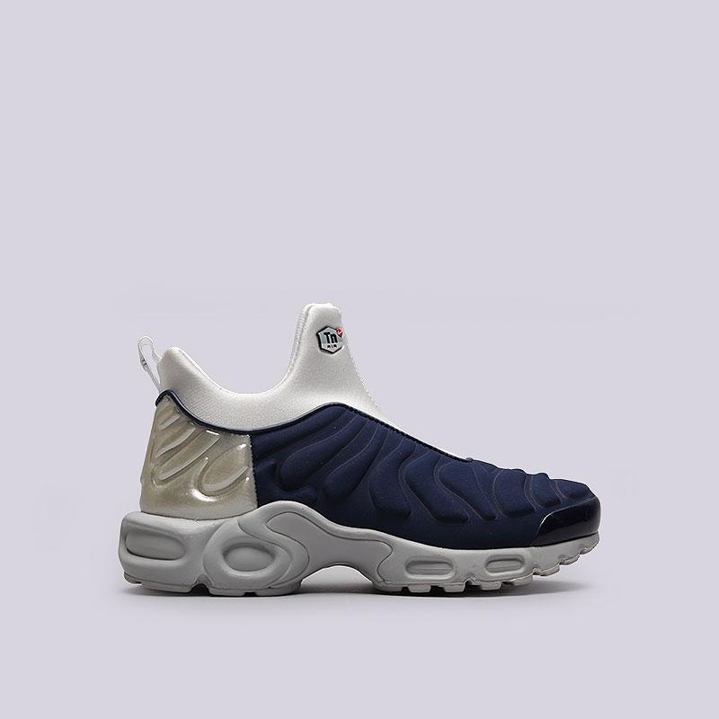 Кроссовки  Nike Sportswear WMNS Air Max Plus Slip SPКроссовки lifestyle<br>Кожа, текстиль, резина, пластик<br><br>Цвет: Синий, белый<br>Размеры US: 7.5;8<br>Пол: Женский