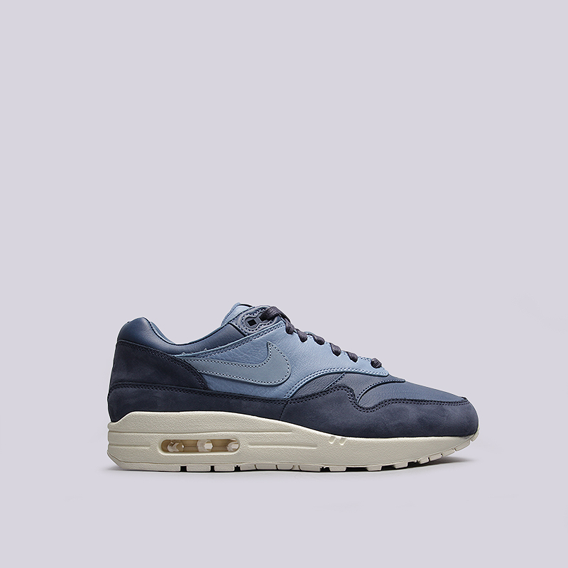 Кроссовки Nike Sportswear Lab Air Max 1 PinnacleКроссовки lifestyle<br>кожа,текстиль, резина<br><br>Цвет: Синий<br>Размеры US: 7.5;9.5;10;10.5;11;11.5<br>Пол: Мужской