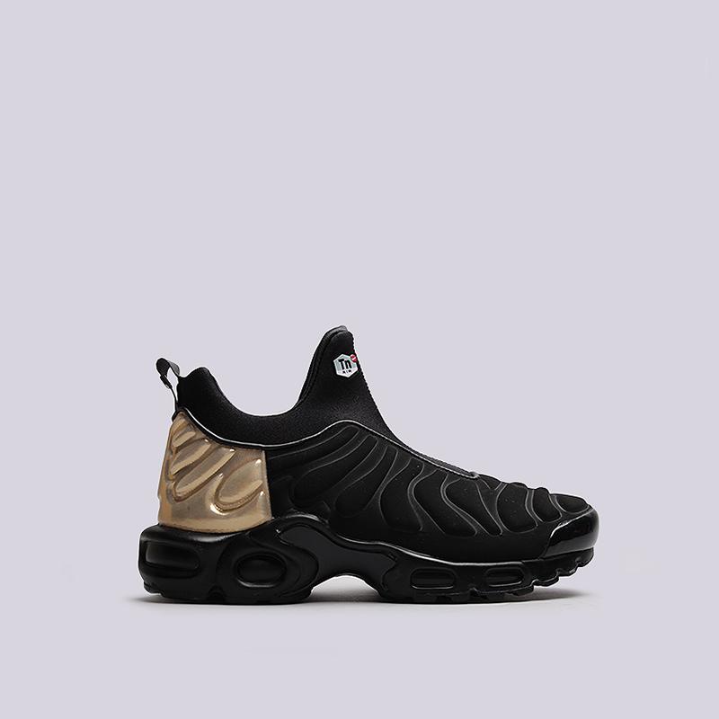 Кроссовки Nike Sportswear WMNS Air Max Plus Slip SPКроссовки lifestyle<br>кожа, текстиль, резина, пластик<br><br>Цвет: Черный<br>Размеры US: 6;6.5;7;8;8.5;9<br>Пол: Женский
