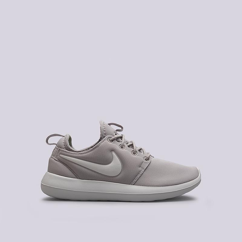 Кроссовки Nike Sportswear WMNS Roshe TwoКроссовки lifestyle<br>текстиль, резина<br><br>Цвет: Серый<br>Размеры US: 6;6.5;7;7.5;8;8.5<br>Пол: Женский