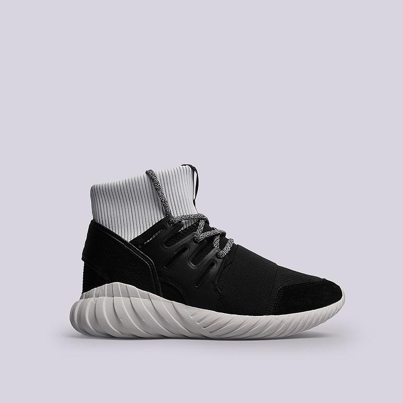Кроссовки  adidas Originals Tubular DoomКроссовки lifestyle<br>Текстиль, резина<br><br>Цвет: Черный, белый<br>Размеры UK: 7;7.5;8;8.5;9;10;10.5<br>Пол: Мужской