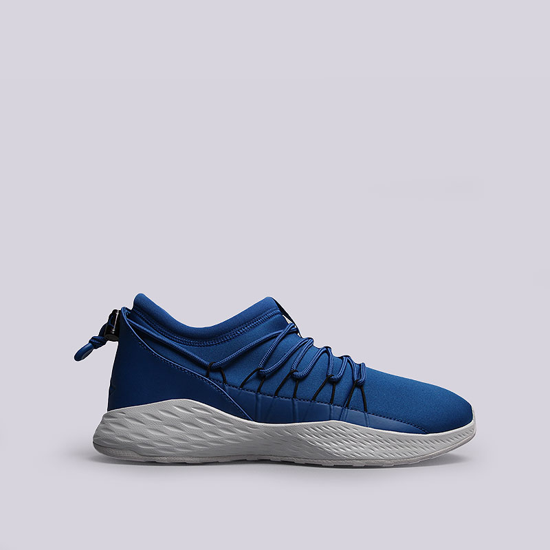 Кроссовки  Jordan Formula 23 ToggleКроссовки lifestyle<br>Текстиль, синтетика, резина<br><br>Цвет: Синий<br>Размеры US: 10.5<br>Пол: Мужской