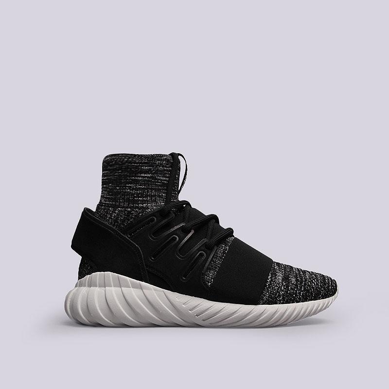 Кроссовки  adidas Tubular Doom PKКроссовки lifestyle<br>Текстиль, резина<br><br>Цвет: Черный, белый<br>Размеры UK: 7;7.5<br>Пол: Мужской