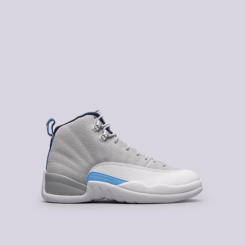 Кроссовки Jordan XII RetroКроссовки lifestyle<br>Кожа, синтетика, текстиль, резина, пластик<br><br>Цвет: Серый, белый<br>Размеры US: 12.5<br>Пол: Мужской