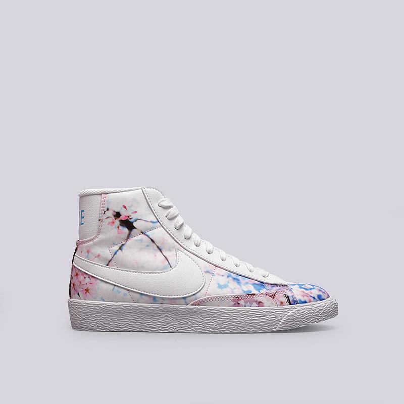 Кроссовки Nike WMNS Blazer Mid PrintКроссовки lifestyle<br>Текстиль, синтетика, резина<br><br>Цвет: Белый<br>Размеры US: 5;5.5;6;6.5;8;9<br>Пол: Женский