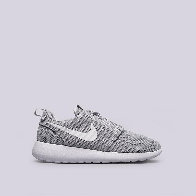 Кроссовки Nike Roshe OneКроссовки lifestyle<br>Текстиль, пластик<br><br>Цвет: Серый<br>Размеры US: 8<br>Пол: Мужской