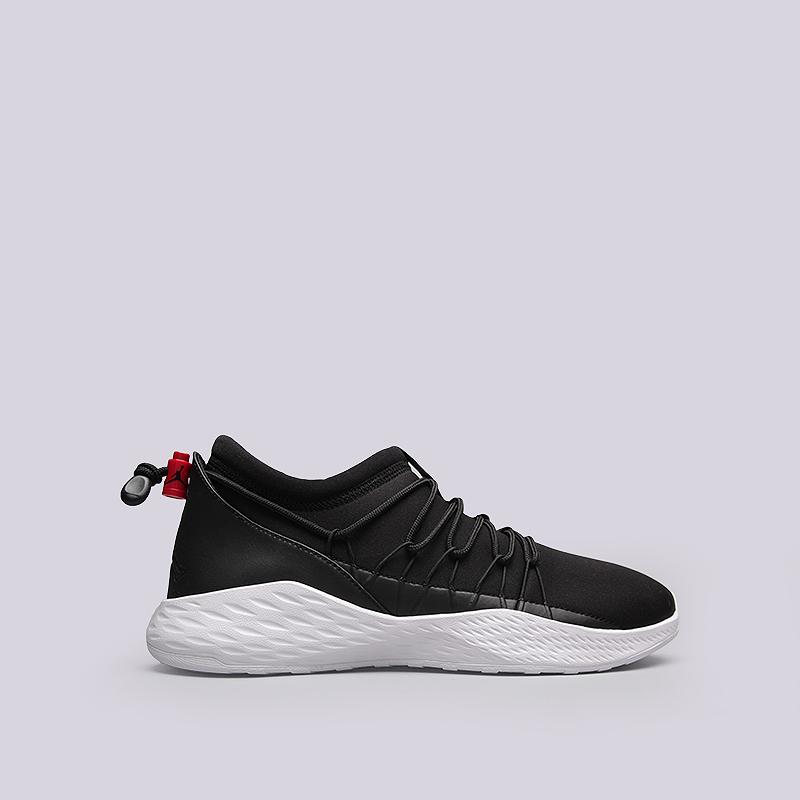 Кроссовки Jordan Formula 23 ToggleКроссовки lifestyle<br>Текстиль, резина<br><br>Цвет: Черный, белый<br>Размеры US: 9<br>Пол: Мужской