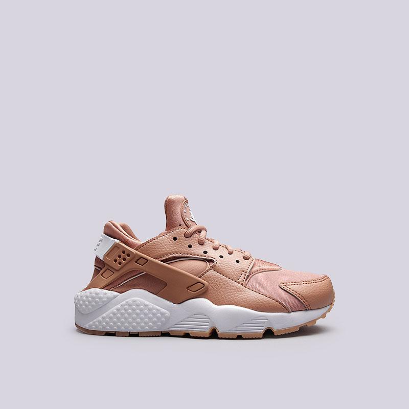 Кроссовки  Nike Sportswear WMNS Air Huarache RunКроссовки lifestyle<br>Текстиль, синтетика, резина, пластик<br><br>Цвет: Бежевый<br>Размеры US: 6;6.5;7<br>Пол: Женский