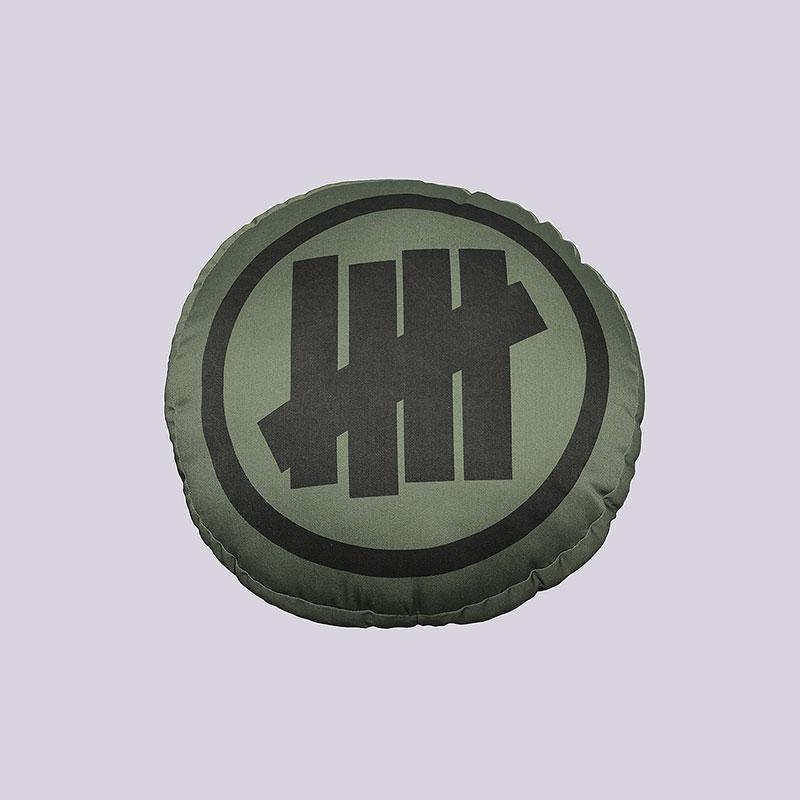 Подушка Undftd 5 Strike Round PillowДругое<br>Полиэстер, хлопок<br><br>Цвет: Зелёный<br>Размеры US: OS