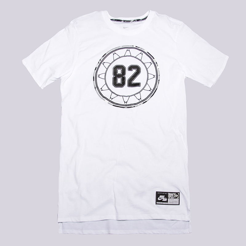 Футболка Nike Sportswear Air TeeФутболки<br>100% хлопок<br><br>Цвет: Белый<br>Размеры US: M<br>Пол: Мужской