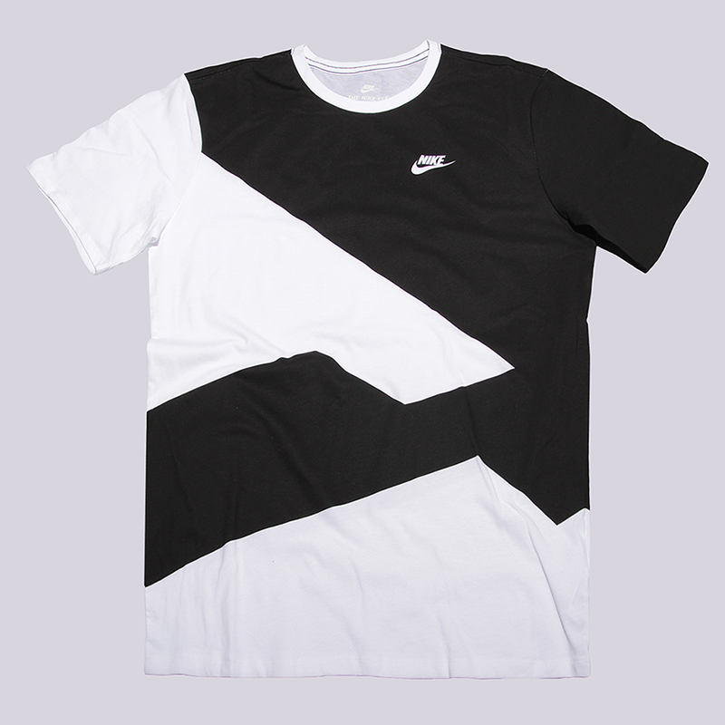 Футболка Nike Modern TeeФутболки<br>100% хлопок<br><br>Цвет: Белый, черный<br>Размеры US: 2XL<br>Пол: Мужской
