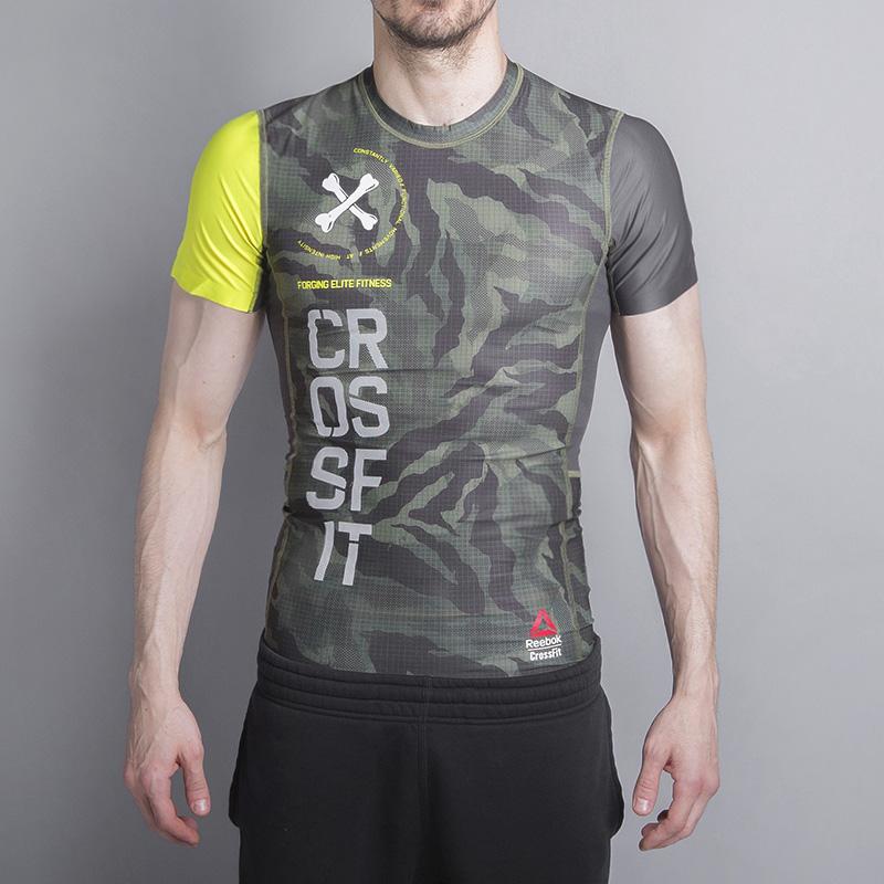 Футболка Reebok CrossFit Printed Compr TopКомпрессионное белье<br>Полиэстер, нейлон, эластан<br><br>Цвет: Камуфляж<br>Размеры US: M;L<br>Пол: Мужской