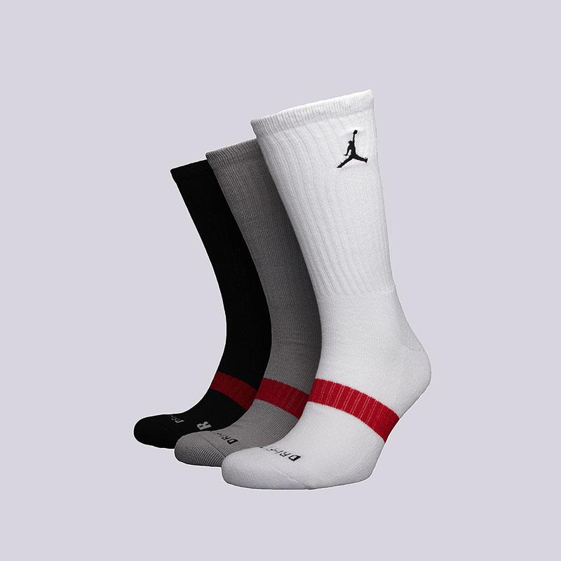 Носки Jordan Dri-Fit Crew 3PPKНоски<br>Полиэстер, нейлон, эластан<br><br>Цвет: Белый, серый, чёрный<br>Размеры US: M;L;XL<br>Пол: Мужской