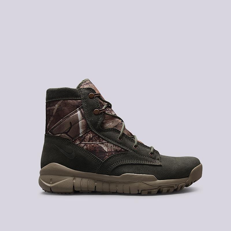 Кроссовки Nike Sportswear SFB 6 RT QSБотинки<br>Кожа, текстиль, резина<br><br>Цвет: Зеленый<br>Размеры US: 8<br>Пол: Мужской