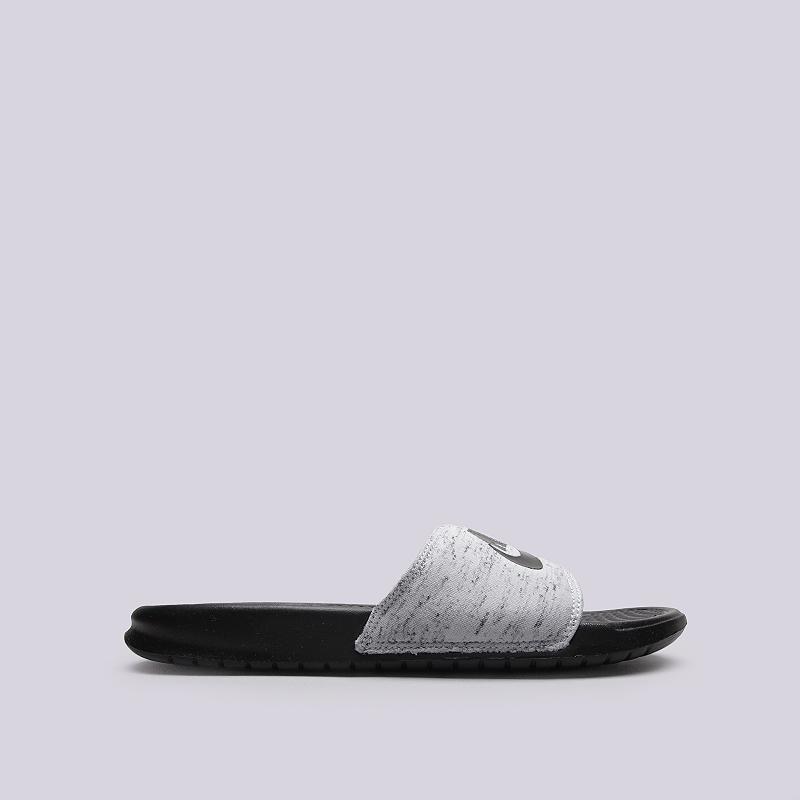 Сланцы Nike Sportswear Benassi JDI FLC QSСланцы, балетки<br>Текстиль, резина<br><br>Цвет: Черный, серый<br>Размеры US: 5;7