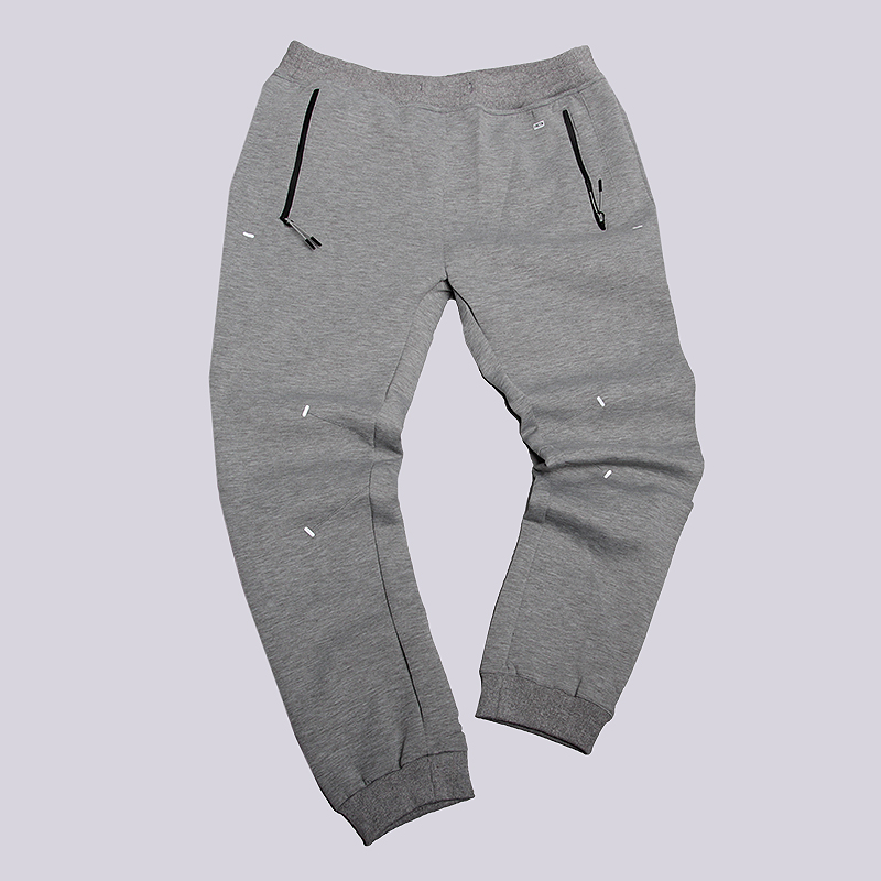 Брюки K1X Core SweatpantsБрюки и джинсы<br>94% полиэстер, 6% эластан<br><br>Цвет: Серый<br>Размеры US: S<br>Пол: Мужской
