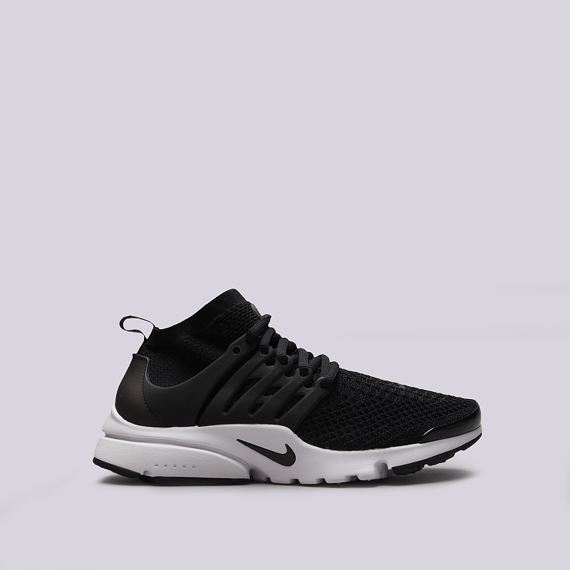 Кроссовки Nike Sportswear Air Presto Flyknit UltraКроссовки lifestyle<br>Текстиль, резина, пластик<br><br>Цвет: Черный, белый<br>Размеры US: 7.5;8.5;9.5;10.5;11;11.5;12;12.5;13;14<br>Пол: Мужской