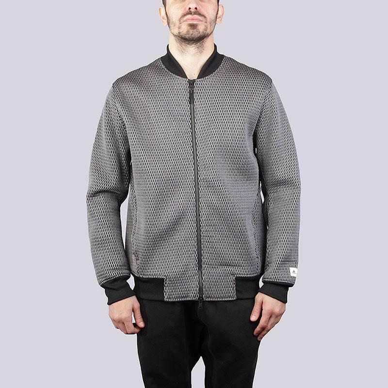 Куртка adidas AARC SPCR BMBКуртки, пуховики<br>Полиамид, эластан, полиэстер<br><br>Цвет: Серый<br>Размеры UK: S;M;L<br>Пол: Мужской