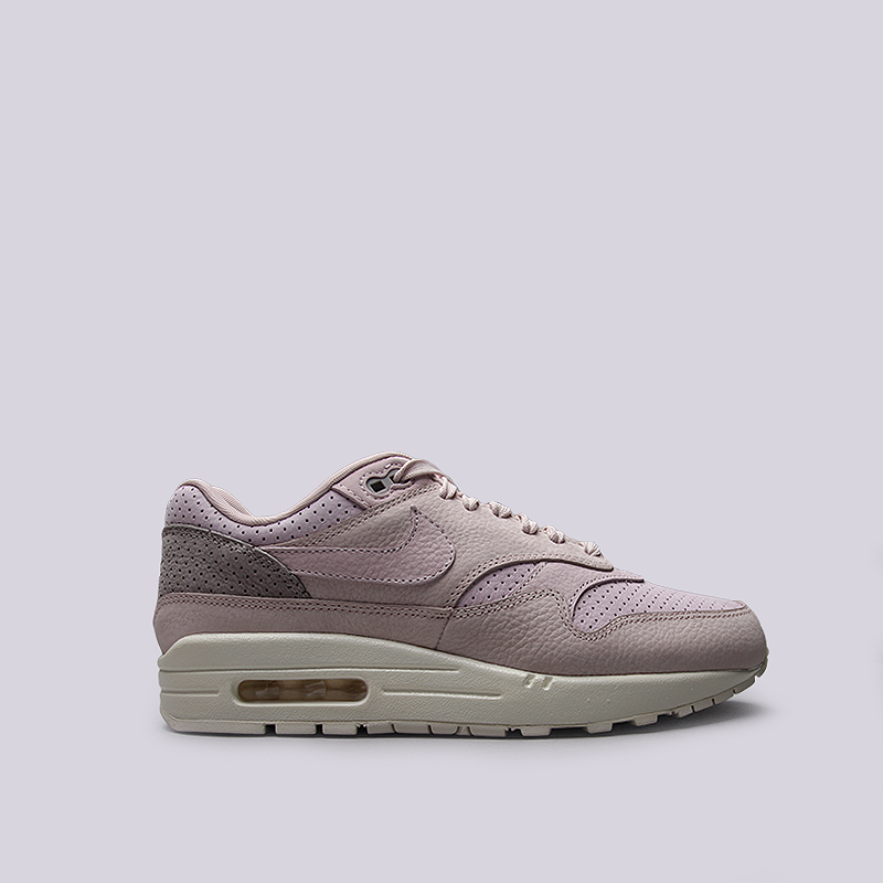 Кроссовки Nike Sportswear Lab Air Max 1 PinnacleКроссовки lifestyle<br>Кожа, текстиль, резина<br><br>Цвет: Розовый<br>Размеры US: 10.5<br>Пол: Мужской
