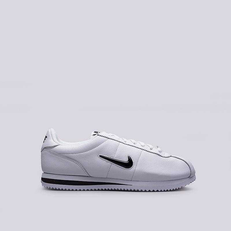 Кроссовки  Nike Sportswear Cortez Basic Jewel QS TZКроссовки lifestyle<br>Кожа, синтетика, текстиль, резина<br><br>Цвет: Белый<br>Размеры US: 8.5;9;10;10.5;11<br>Пол: Мужской