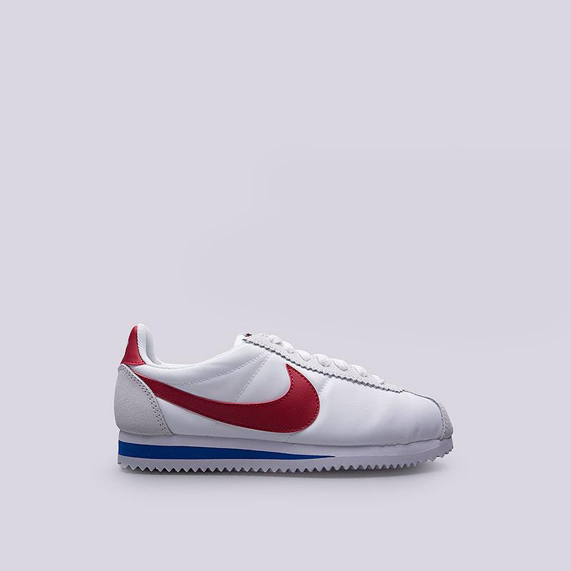 Кроссовки Nike WMNS Classic Cortez Nylon PremКроссовки lifestyle<br>Текстиль, кожа, резина<br><br>Цвет: Белый<br>Размеры US: 8;8.5<br>Пол: Женский