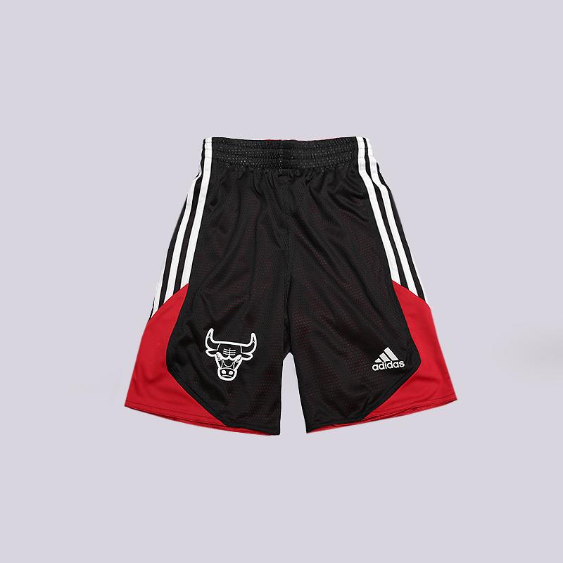 Шорты adidas BullsШорты<br>100% полиэстер<br><br>Цвет: Черный, красный<br>Размеры UK: 116<br>Пол: Детский
