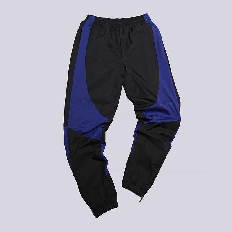 Брюки Jordan 1 Wings PantБрюки и джинсы<br>Нейлон, полиэстер<br><br>Цвет: Черный, синий<br>Размеры US: M<br>Пол: Мужской