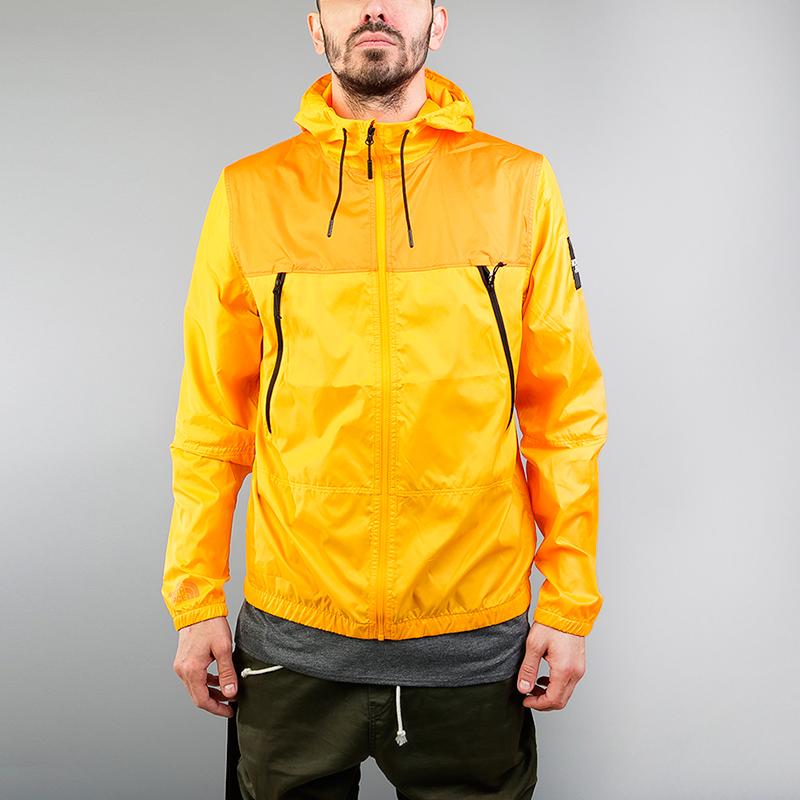 Куртка The North Face 1990 Se MNT JKTКуртки, пуховики<br>100% полиэстер<br><br>Цвет: Желтый<br>Размеры US: M;XL<br>Пол: Мужской
