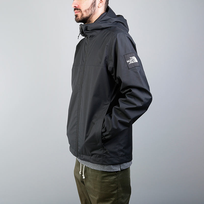 Куртка The North Face Mountain Q JKTКуртки, пуховики<br>Нейлон, полиэстер<br><br>Цвет: Черный<br>Размеры US: M;XL<br>Пол: Мужской