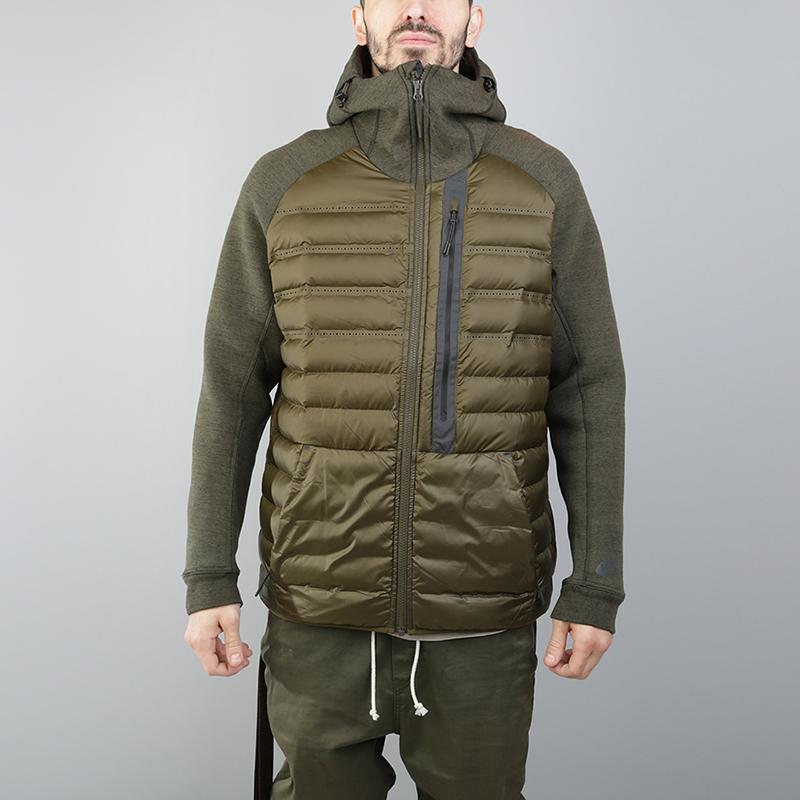 Куртка Nike Sportswear Aeroloft Tech FleeceКуртки, пуховики<br>Полиэстер, хлопок, пух, эластан<br><br>Цвет: Зеленый<br>Размеры US: M;2XL<br>Пол: Мужской