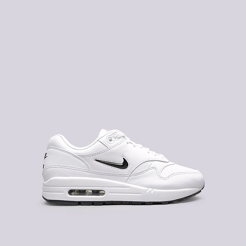 Кроссовки Nike Sportswear Air Max 1 JewelКроссовки lifestyle<br>Кожа, синтетика, текстиль, резина<br><br>Цвет: Белый<br>Размеры US: 8.5;9.5;10;10.5;11;11.5;12<br>Пол: Мужской