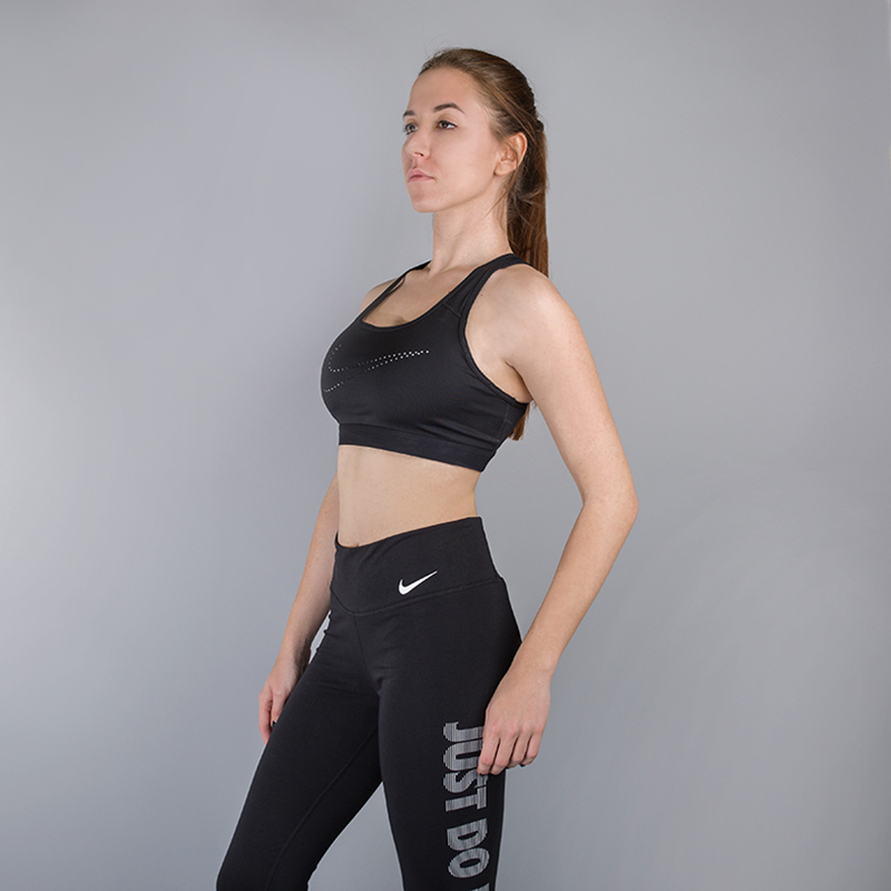 Топ Nike Classic Cooling Sports BraКомпрессионное белье<br>78% полиэстер, 22% эластан<br><br>Цвет: Черный<br>Размеры US: XS;S;M;L<br>Пол: Женский