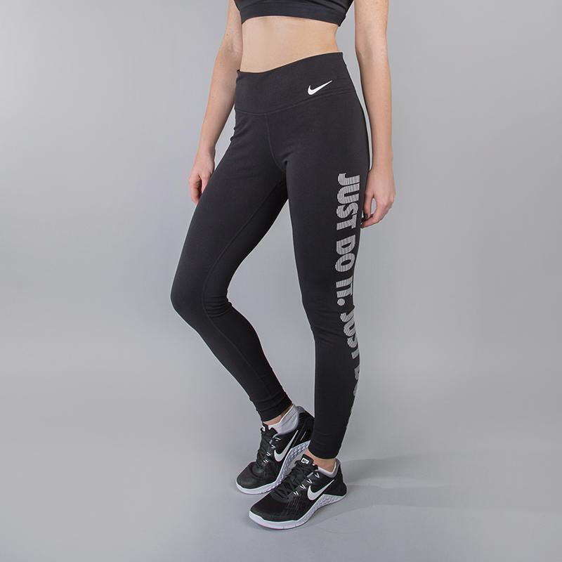 Тайтсы Nike Dry Training TightБрюки и джинсы<br>61% хлопок, 33% полиэстер, 6% эластан<br><br>Цвет: Черный<br>Размеры US: XS;S;M;L<br>Пол: Женский