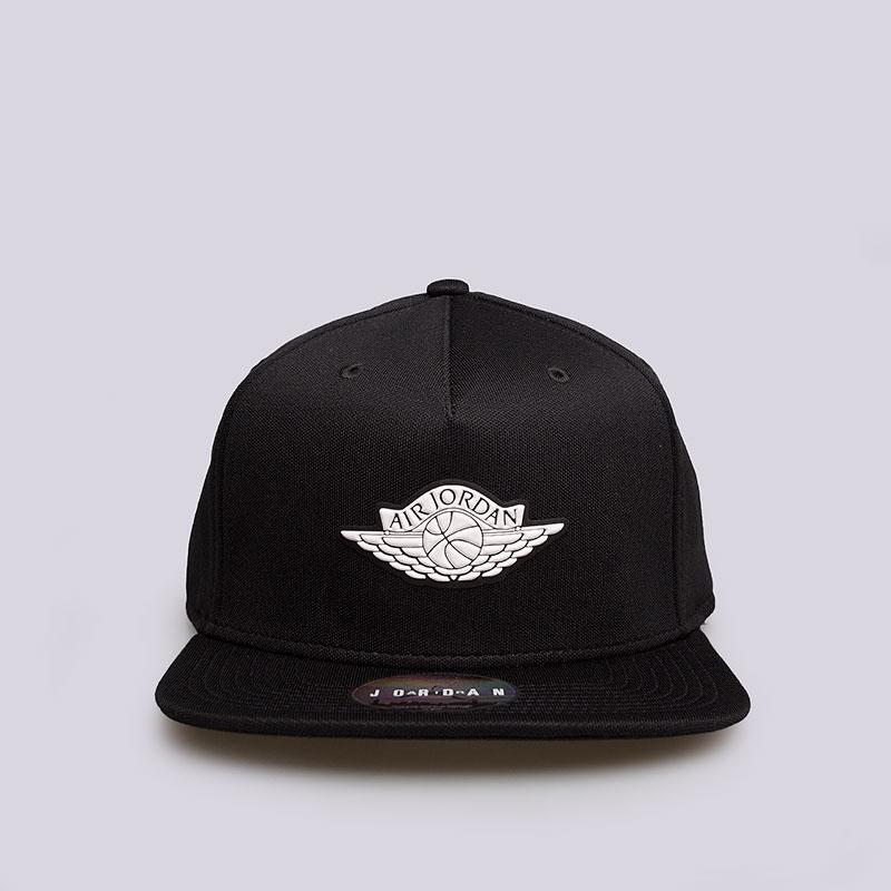 Кепка Jordan Wings StrapbackКепки<br>Полиэстер, хлопок<br><br>Цвет: Чёрный<br>Размеры US: OS
