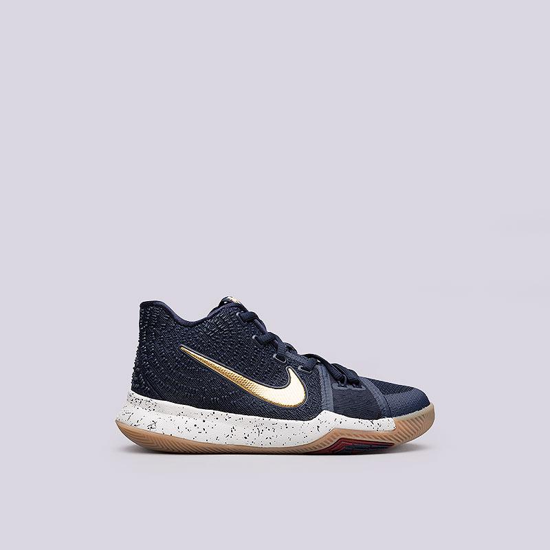 Кроссовки Nike Kyrie 3Обувь детская<br>Текстиль, пластик, резина<br><br>Цвет: Cиний<br>Размеры US: 3.5Y;4.5Y;4Y;5Y<br>Пол: Детский
