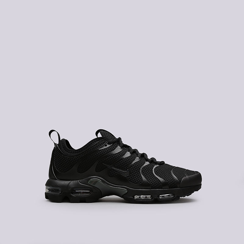 Кроссовки Nike Air Max Plus TN UltraКроссовки lifestyle<br>Текстиль, пластик, резина<br><br>Цвет: Черный<br>Размеры US: 8.5<br>Пол: Мужской