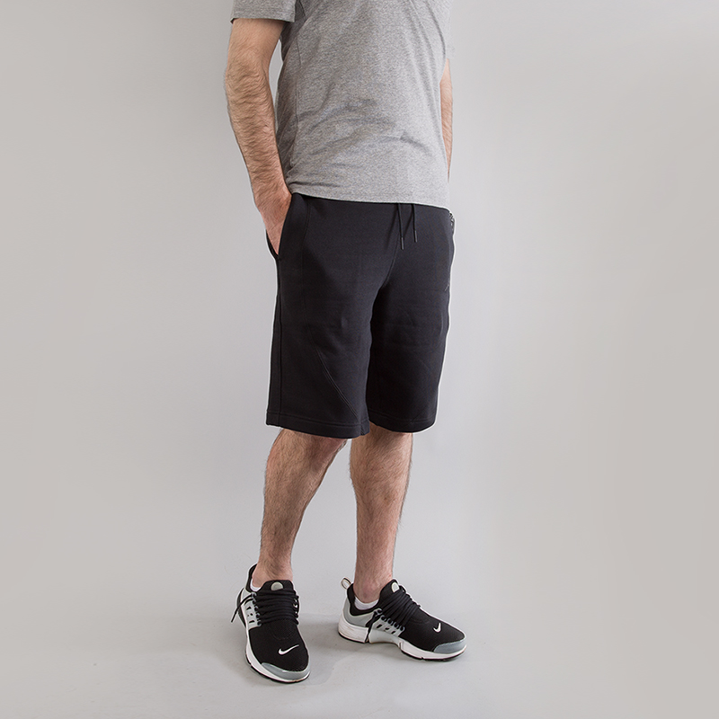 Шорты Jordan Sportswear Wings Fleece ShortsШорты<br>73% хлопок, 18% вискоза, 9% полиэстер<br><br>Цвет: Черный<br>Размеры US: S;2XL<br>Пол: Мужской