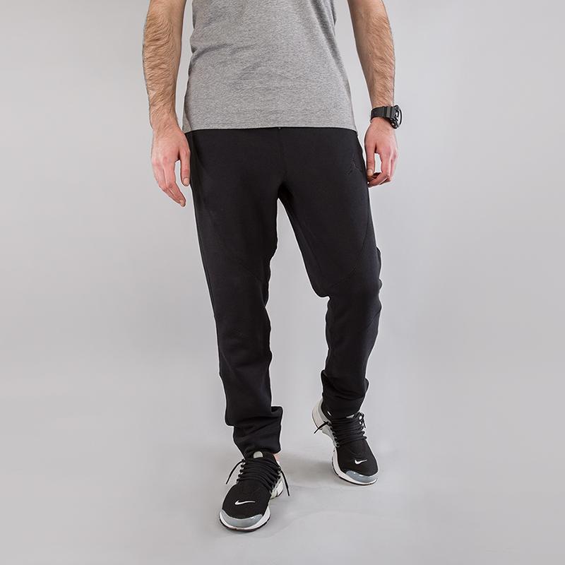 Брюки Jordan Sportswear Wings Fleece PantsБрюки и джинсы<br>73% хлопок, 18% вискоза, 9% полиэстер<br><br>Цвет: Черный<br>Размеры US: XS;S;M;L;XL;2XL<br>Пол: Мужской